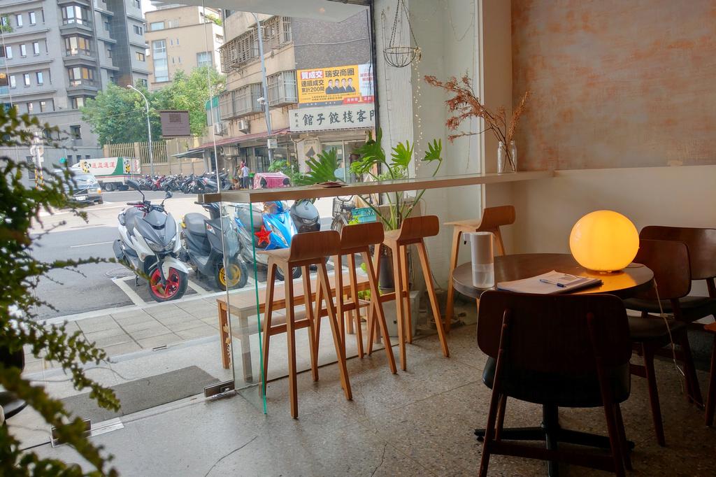 台北吃蛋糕 艸藴ㄘㄠˇ ㄩㄣˋ .滿室手作乾燥花的甜品咖啡小店