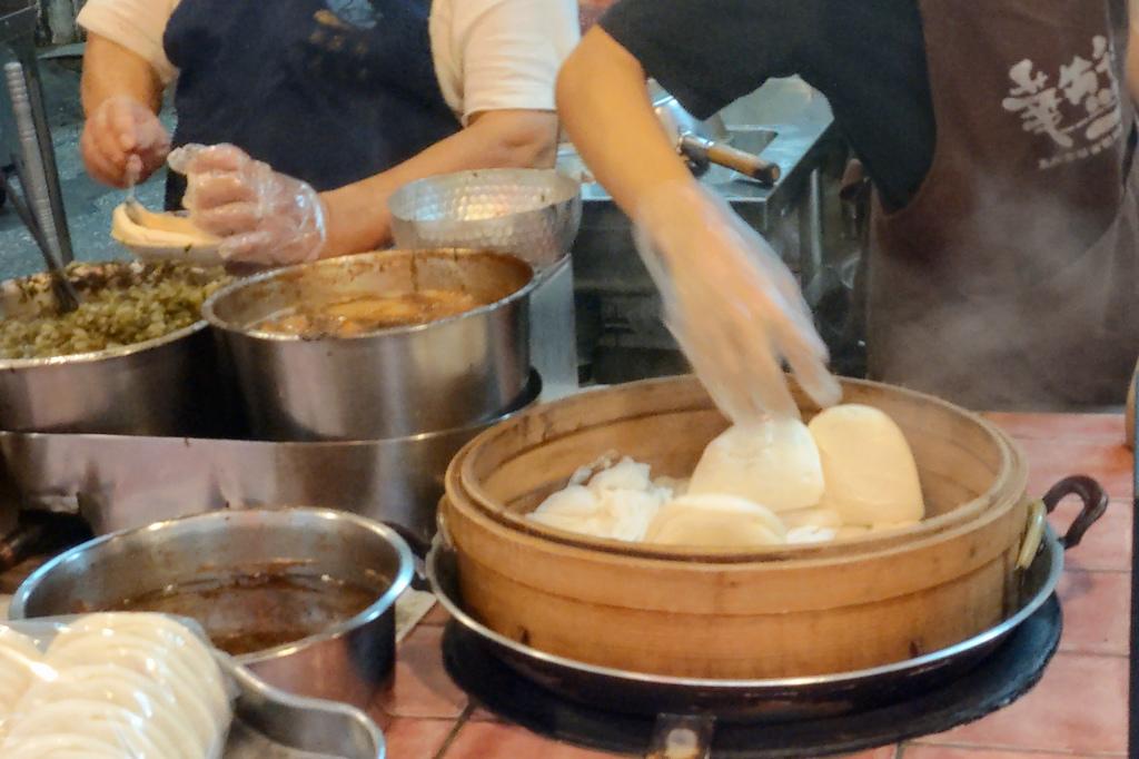 台北萬華美食|西門町老店!超台式的日本料理,滿滿菜色~美觀園