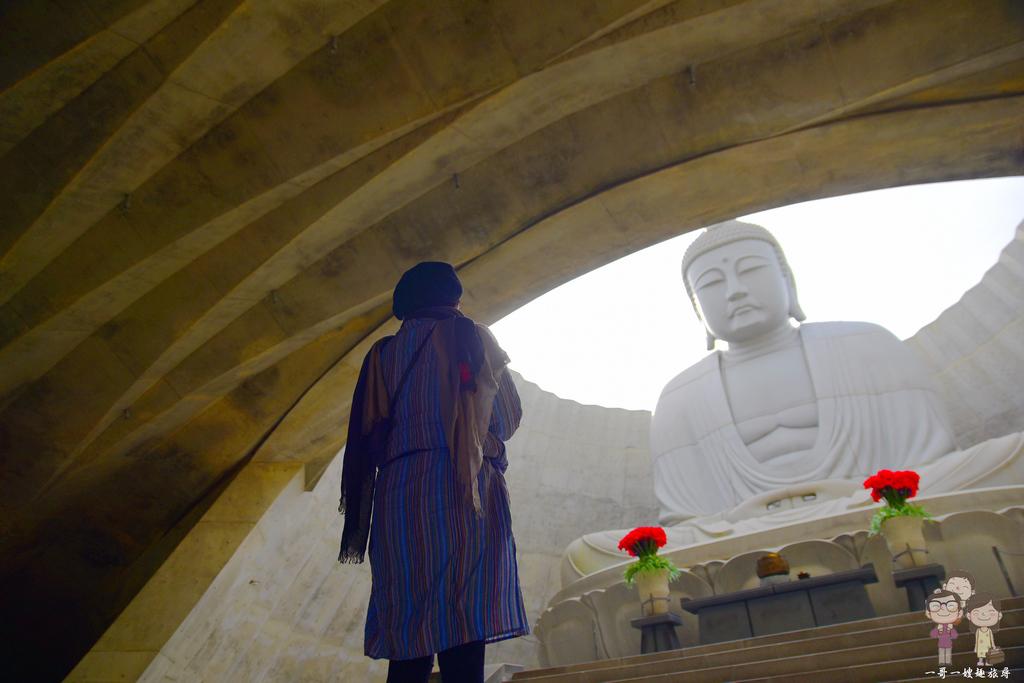 札幌市郊景點|安藤忠雄建築.頭大佛+地藏化摩艾像~真駒内滝野霊園