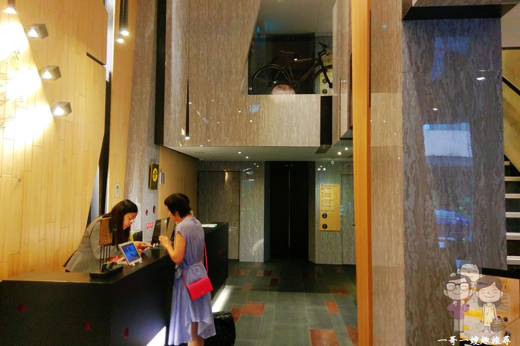 台中中區住宿|舊城區裡鬧中取靜的設計新旅店.朗舍行館