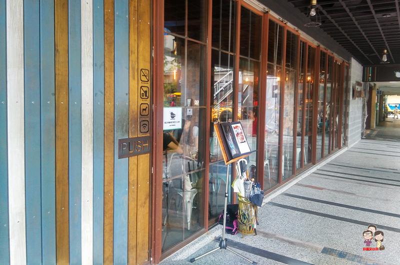 台北喝咖啡|舊鐵路的往日時光,濃濃懷舊風.Sunny cafe